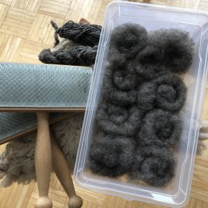 Kardierte Wolle in Rolags